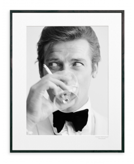 LG ROGER MOORE